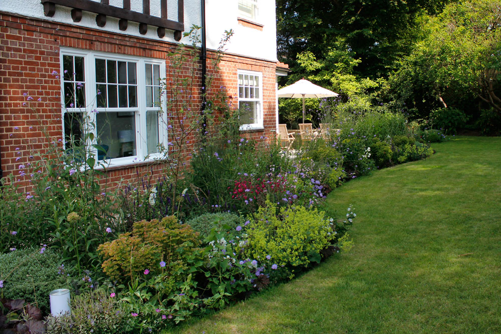 Landscaping Iffley, Oxford planting & turfing