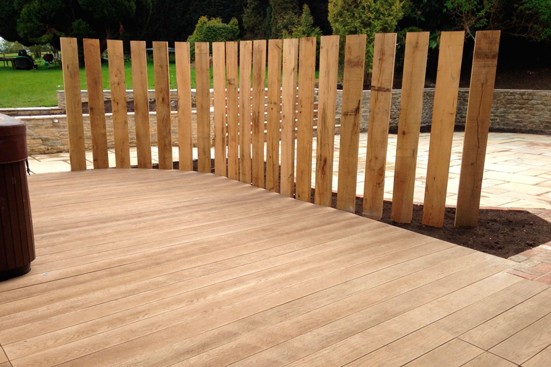 Landscaping Bicester timber screen_2